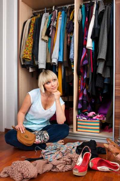 Clothes closet organization