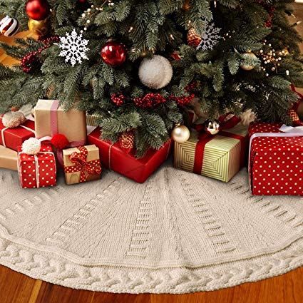 Cable Knitted Thick Rustic Christmas Tree Skirt