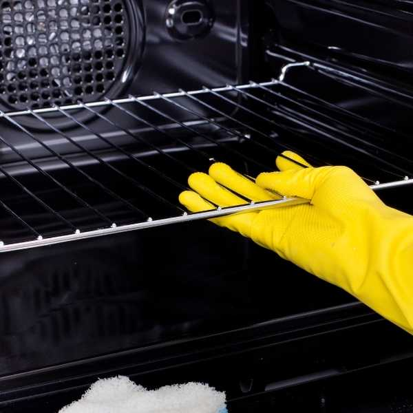 How to steam clean oven racks